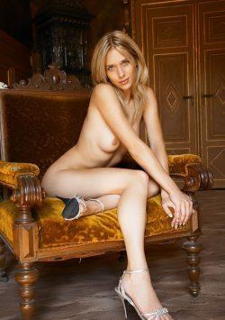 Обалденная девушка брюнетка, в поисках мужчины из Рязани